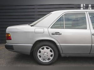 1992 Mercedes-Benz 260 E For Sale (picture 8 of 21)