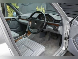 1992 Mercedes-Benz 260 E For Sale (picture 13 of 21)