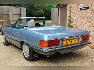 1986 Mercedes 300sl low owners and low mileage For Sale (picture 4 of 12)