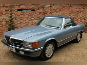 1986 Mercedes 300sl low owners and low mileage For Sale (picture 9 of 12)