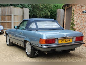 1986 Mercedes 300sl low owners and low mileage For Sale (picture 10 of 12)