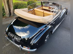 1953 MERCEDES BENZ 300 CABRIOLET 'ADENAUER' (RARE RHD EXAMPLE) For Sale (picture 3 of 12)