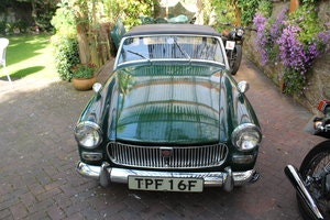 Picture of 1968 mg midget , wire wheels , for restoration