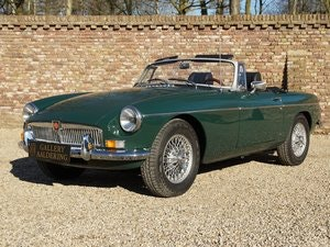 Picture of 1078 MG B Roadster fully restored condition, overdrive For Sale