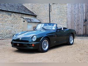 1995 A beautiful condition MG RV8 with just 6,000 miles For Sale (picture 1 of 6)