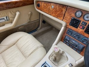 1995 MG RV8 4.0 V8 CONVERTIBLE WOODCOTE GREEN * ONLY 4491 MILES * For Sale (picture 4 of 6)