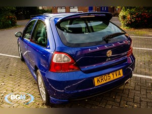 2005 MG ZR 105 1400cc 3 Door with just 835 miles For Sale (picture 2 of 6)