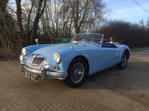 1960 A LOVELY ORIGINAL RHD MGA 1600 ROADSTER IN  RARE IRIS BLUE! For Sale (picture 2 of 10)