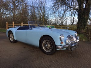 1960 A LOVELY ORIGINAL RHD MGA 1600 ROADSTER IN  RARE IRIS BLUE! For Sale (picture 3 of 10)
