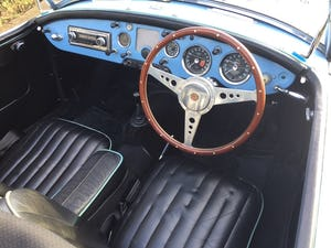 1960 A LOVELY ORIGINAL RHD MGA 1600 ROADSTER IN  RARE IRIS BLUE! For Sale (picture 7 of 10)