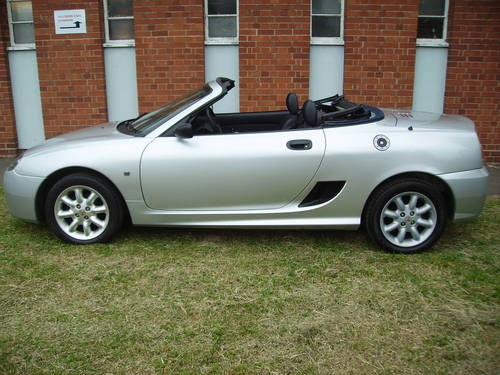 2003 MG TF 1.6 16v Hard Top & Soft Top 64000 miles FSH For Sale (picture 4 of 6)