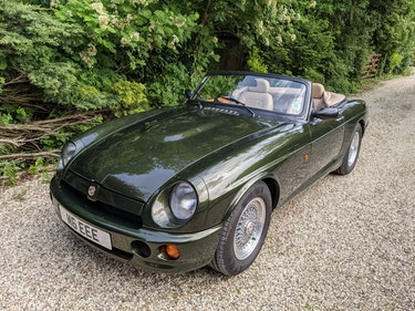 Picture of MG RV8 1994 Woodcote Green, 45k miles. For Sale