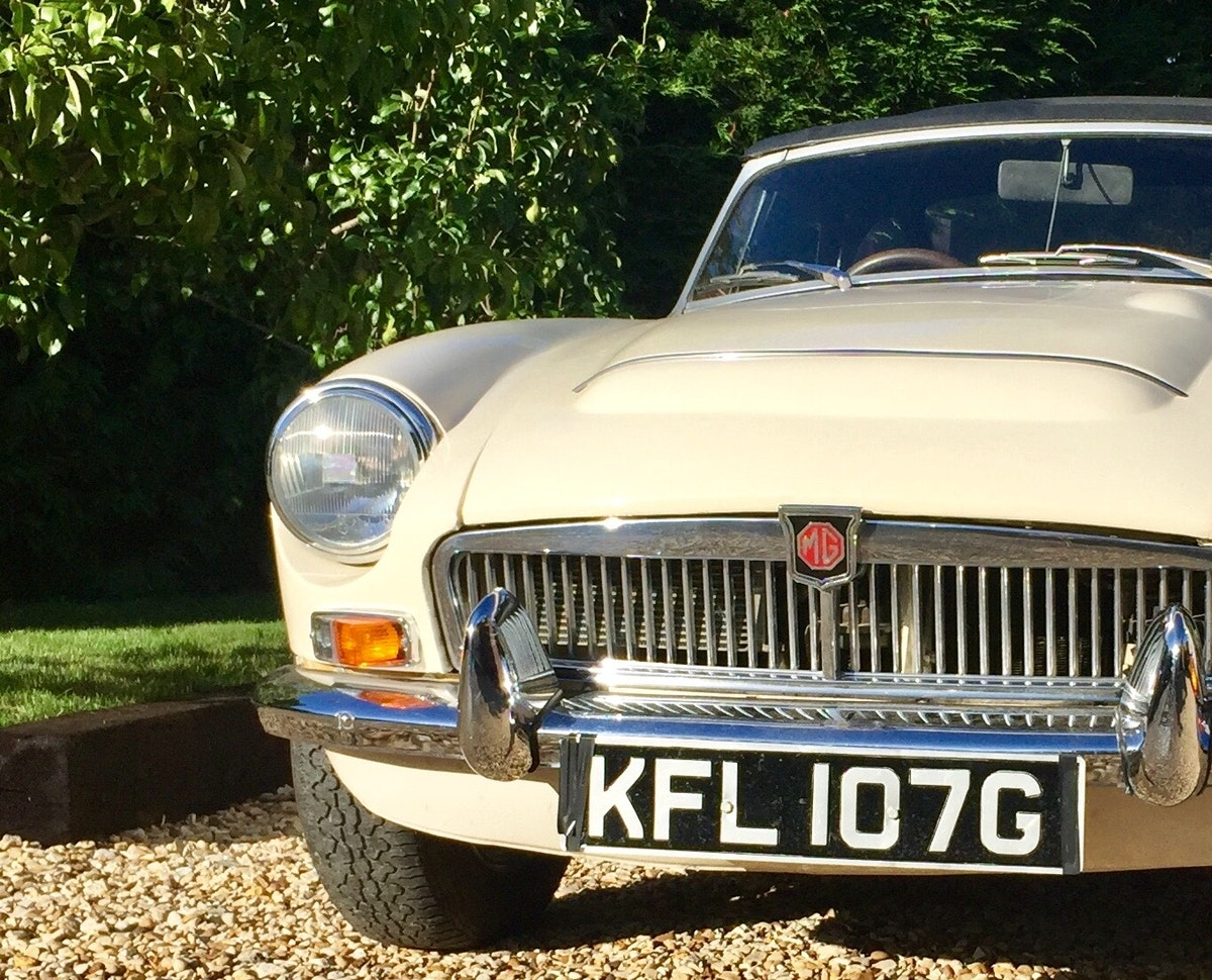 1968 MGC Roadster Old English White For Sale (picture 8 of 9)