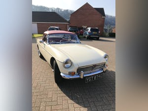 1969 Stunning example of MGB ROADSTER, Heritage Shell, 1800cc SOLD (picture 2 of 12)