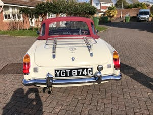1969 Stunning example of MGB ROADSTER, Heritage Shell, 1800cc SOLD (picture 4 of 12)