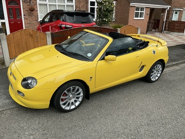 Picture of 2001 Immaculate Yellow MGF Trophy 160 For Sale