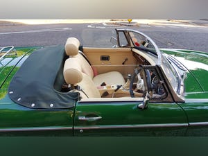 1973 Stunning British Racing Green MGB Roadster For Sale (picture 8 of 12)