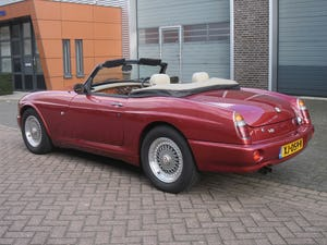1994 MG RV8 Nightfire Red For Sale (picture 3 of 10)