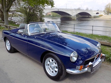 Picture of 1976 MGB ROADSTER - REBUILT WITH NEW HERITAGE BODY SHELL For Sale