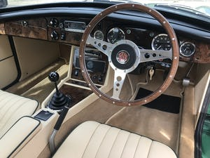 1974 MGB GT V8 rebuild on Heritage shell For Sale (picture 8 of 12)