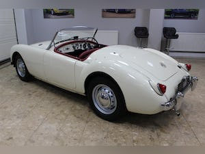 1957 MGA 1500 MK1 Roadster 5 Speed Manual - Fully Restored For Sale (picture 15 of 25)
