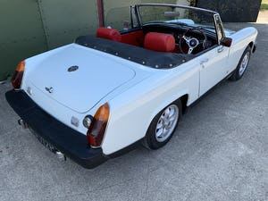 1975 MG Midget 1500cc in White with Red Leather For Sale (picture 4 of 12)