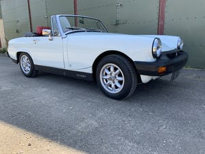 1975 MG Midget 1500cc in White with Red Leather For Sale (picture 5 of 12)