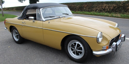 Picture of 1972 MGB Roadster With Overdrive  Finished in Harvest Gold For Sale