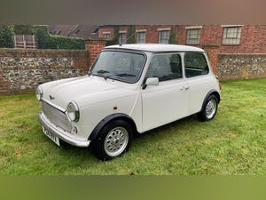1997 Stunning White Mini Balmoral For Sale (picture 2 of 12)