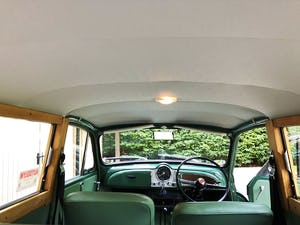 1970 Multi award winning concourse Morris Traveller  For Sale (picture 3 of 6)