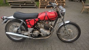 Picture of Norton commando 1970 barnfind SOLD