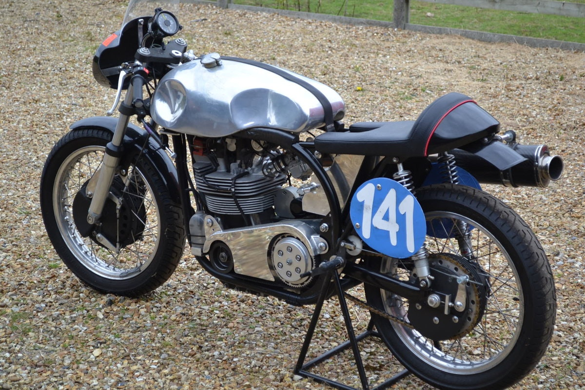 2009 Dunnell Summerfield Racing Manx Norton 350 For Sale (picture 2 of 6)