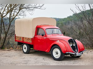 1947 Peugot 292 Truck For Sale (picture 1 of 7)