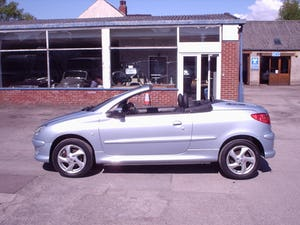 2004 PEUGEOT 206 CONVERTIBLE LOW MILEAGE For Sale (picture 8 of 11)