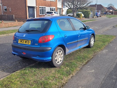 Picture of 2005 Automatic Peugeot 206 For Sale
