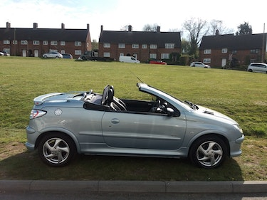 Picture of 2005 Peugeot 206cc allure 1.6, low mileage, ULEZ compliant For Sale