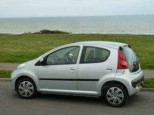 2009 PEUGEOT 107 1.012v URBAN VERY LOW MILEAGE FULL HISTORY For Sale (picture 4 of 12)