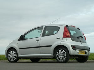 2009 PEUGEOT 107 1.012v URBAN VERY LOW MILEAGE FULL HISTORY For Sale (picture 5 of 12)