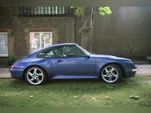 1997 Porsche 993 C2S RHD in manual - Zenith Blue For Sale (picture 3 of 6)