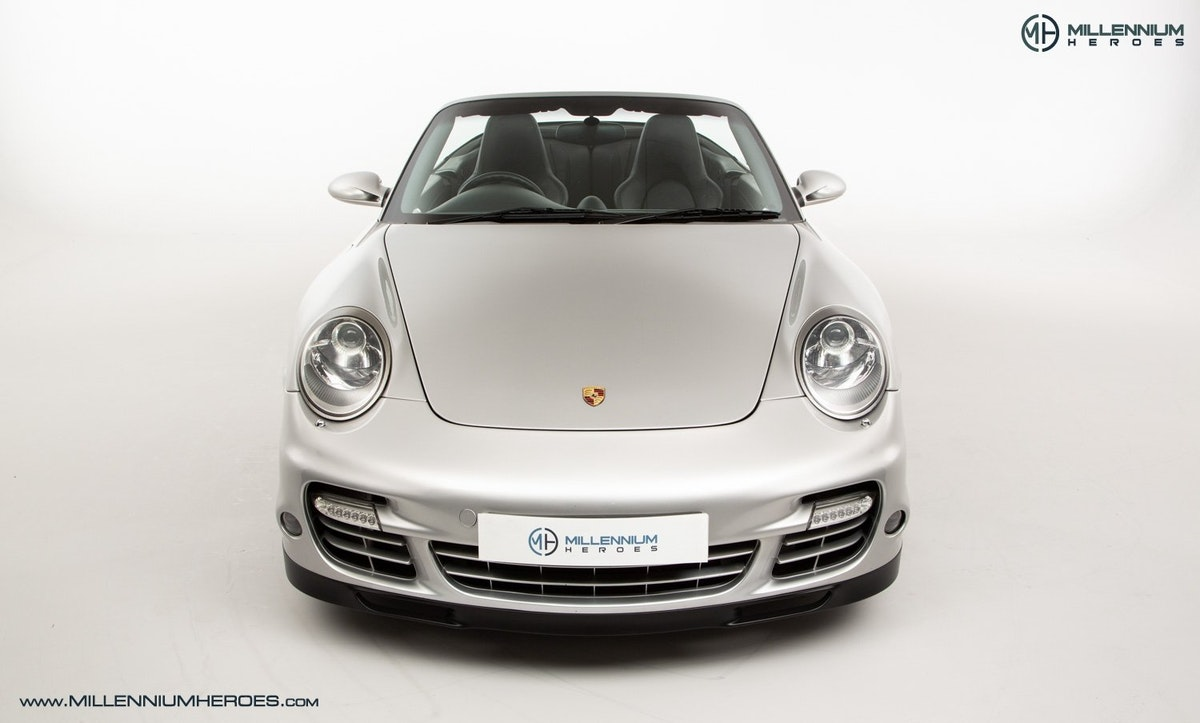2008 PORSCHE 911 (997) TURBO CAB //  FACTORY PCCB // GEN 1.5 For Sale (picture 3 of 24)