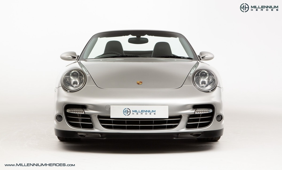 2008 PORSCHE 911 (997) TURBO CAB //  FACTORY PCCB // GEN 1.5 For Sale (picture 4 of 24)