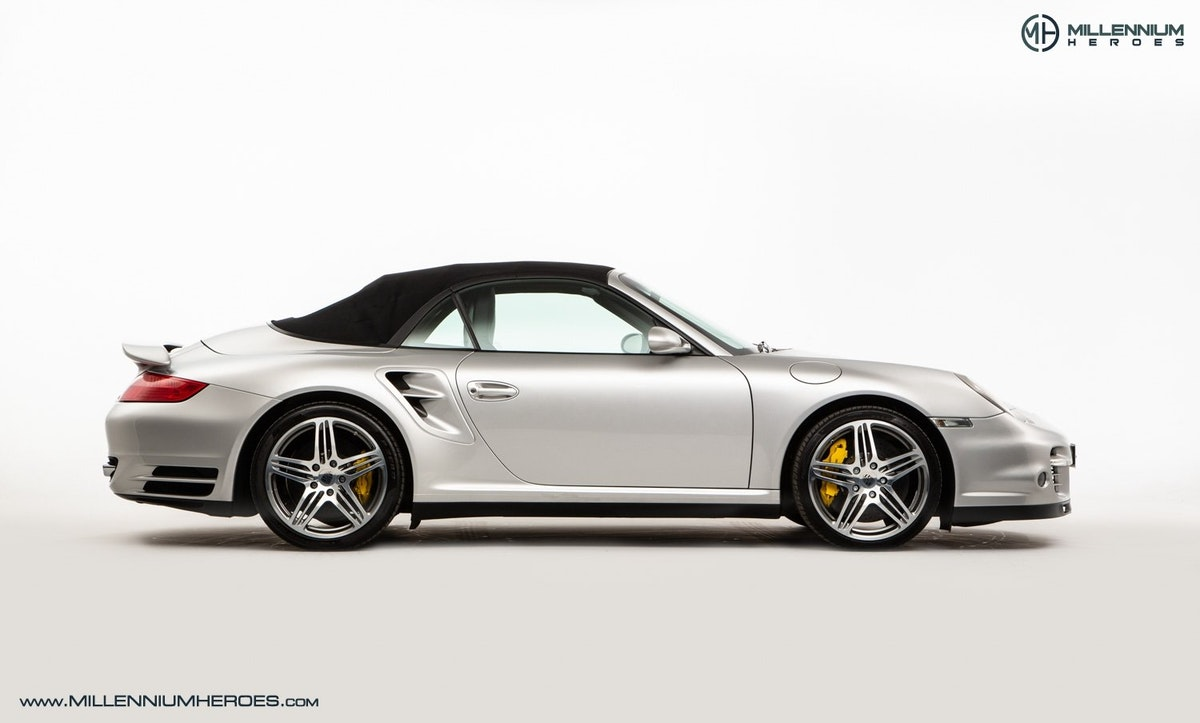 2008 PORSCHE 911 (997) TURBO CAB //  FACTORY PCCB // GEN 1.5 For Sale (picture 7 of 24)