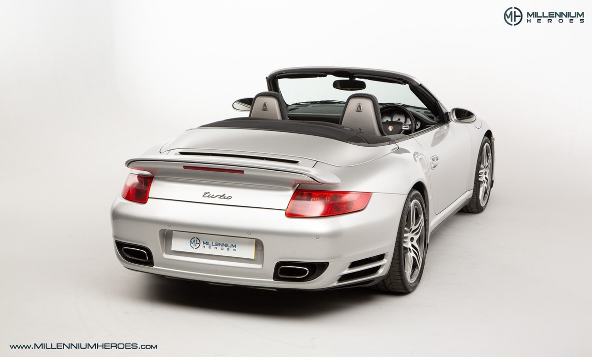 2008 PORSCHE 911 (997) TURBO CAB //  FACTORY PCCB // GEN 1.5 For Sale (picture 10 of 24)