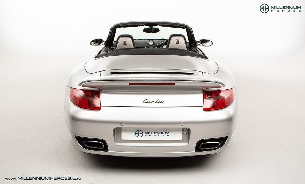 2008 PORSCHE 911 (997) TURBO CAB //  FACTORY PCCB // GEN 1.5 For Sale (picture 11 of 24)