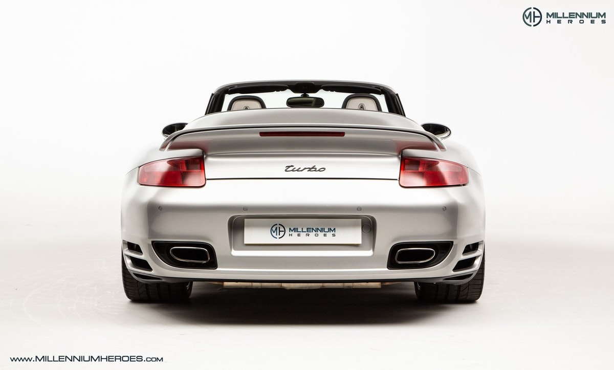 2008 PORSCHE 911 (997) TURBO CAB //  FACTORY PCCB // GEN 1.5 For Sale (picture 12 of 24)