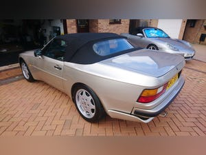 1989 Porsche 944 S2 Convertible  Concours Condition For Sale (picture 3 of 12)
