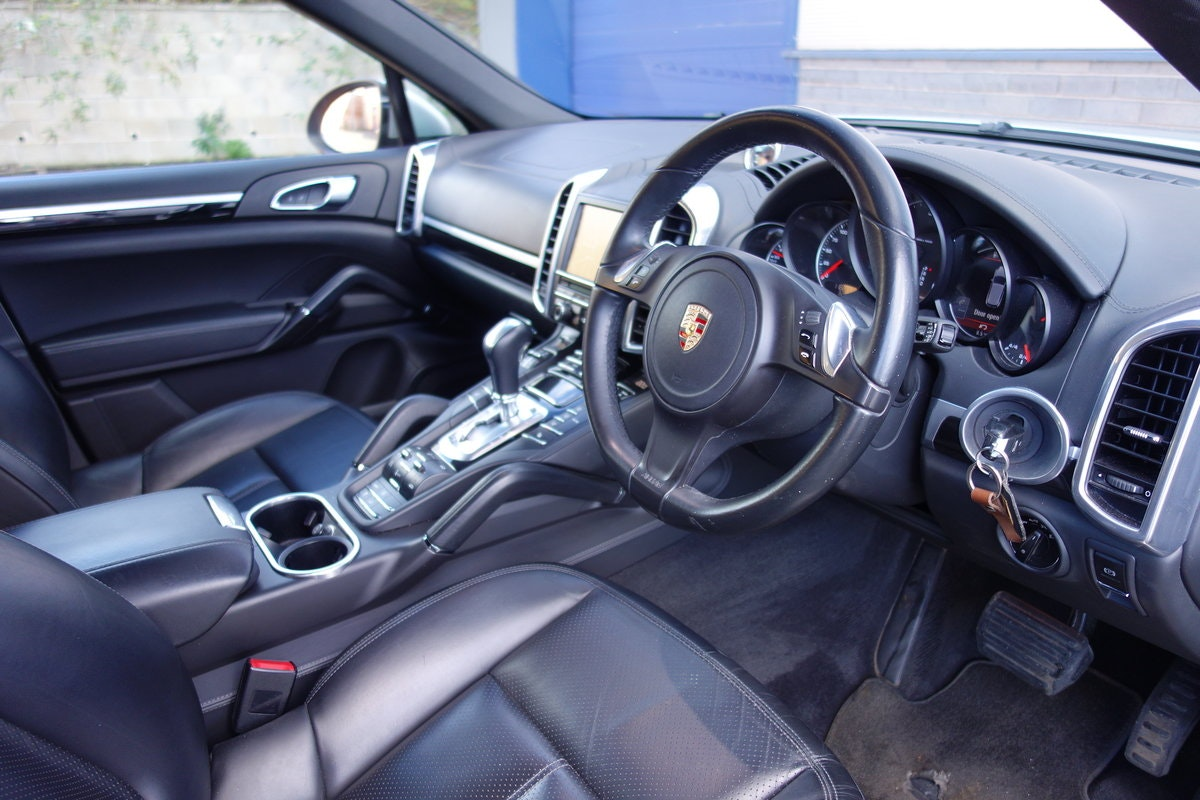 2013 Porsche Cayenne 3.0TDi Tiptronis S For Sale (picture 5 of 6)