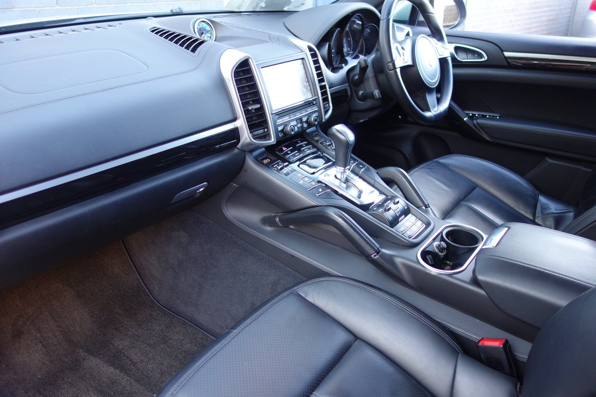 2013 Porsche Cayenne 3.0TDi Tiptronis S For Sale (picture 6 of 6)