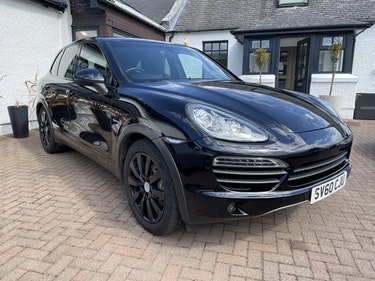 Picture of 2010 Porsche Cayenne 3.0 V6 Tiptronic S Hybrid self charging For Sale