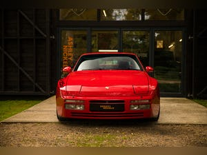 1990 PORSCHE 944 TURBO // EXCEPTIONAL SHOW CONDITION For Sale (picture 2 of 12)